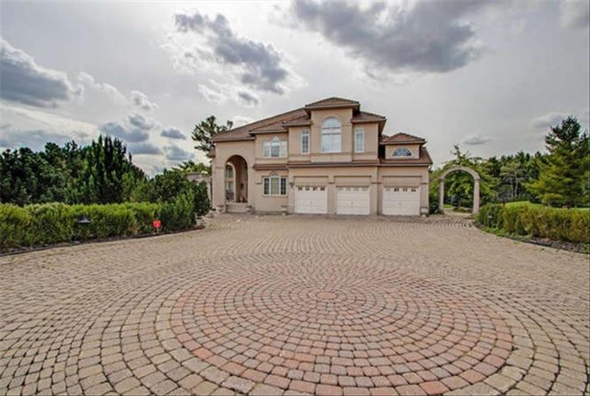10 Kensington Dr Richmond Hill Kamran Tajadod